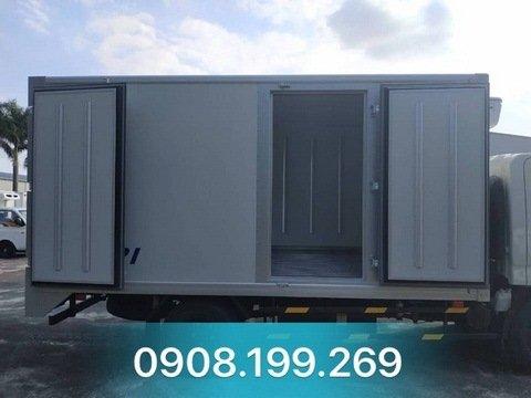 xe thùng đông lanh 2.4 tấn iz65 đô thành