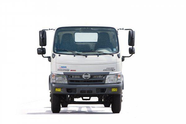 xe tải hino 4.5 tấn thùng kín xzu730
