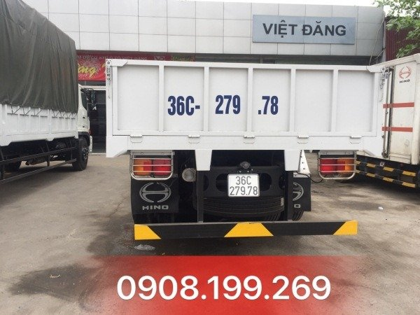 xe tải hino 3 chân thùng lửng FL8JTSL